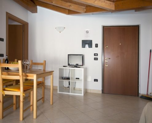 % 5livingroom attic Apartments
