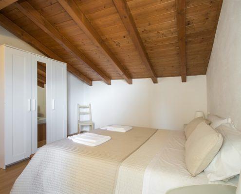 % bedroom4. Apartments