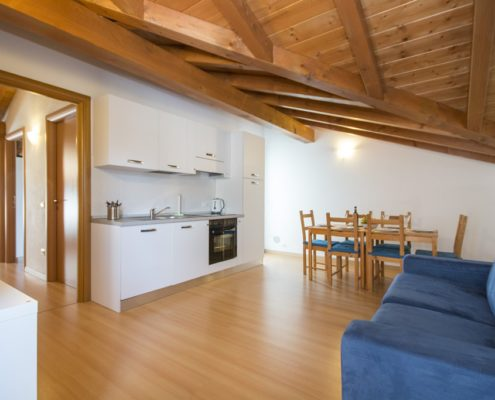 % livingroom attic1. Wohnungen