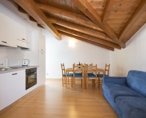 % livingroom attic2. Wohnungen