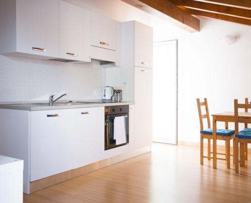 % livingroom attic4. Wohnungen